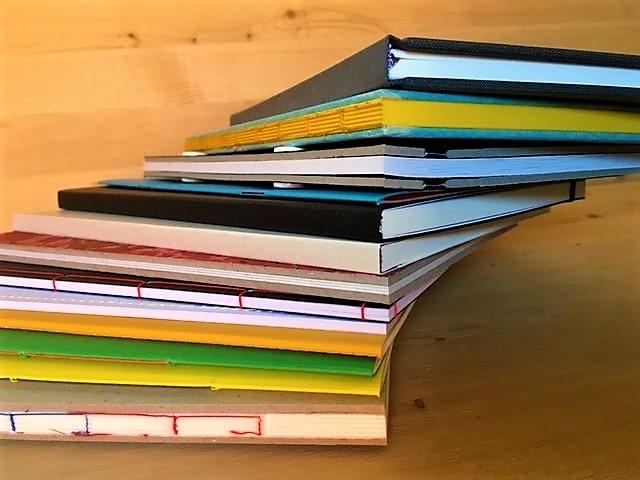 Allerlei boeken met elk een unieke wijze van afwerking wat jouw boek veel meer impact geeft.
