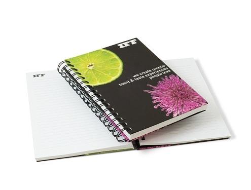 mijndrukker.nl Hardcover Wire-O. Fantastisch duurzame gadget. Volledig te personaliseren en voor een lang gebruik.