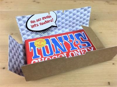 Faire en verrassende mailing. Chocoladereep van Tony's Chocolonely in milieubewuste verpakking.