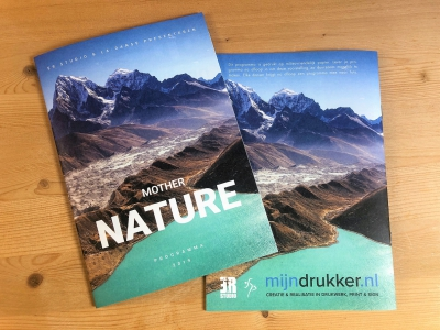 mijndrukker.nl programmaboekje Mother Nature op meest natuurlijk en milieuvriendelijk papier.